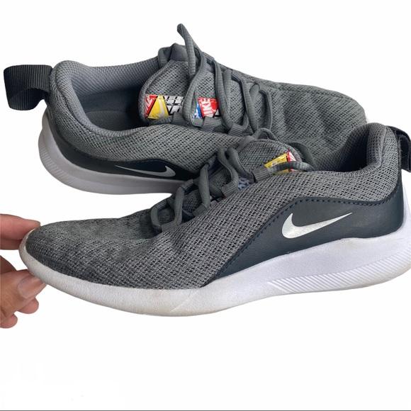 estas procedimiento Fahrenheit  Nike Shoes   Nike Viale Running Shoes Y   Poshmark